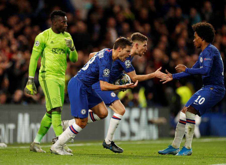 Chelsea y Ajax protagonizan espectacular empate en Stamford Bridge