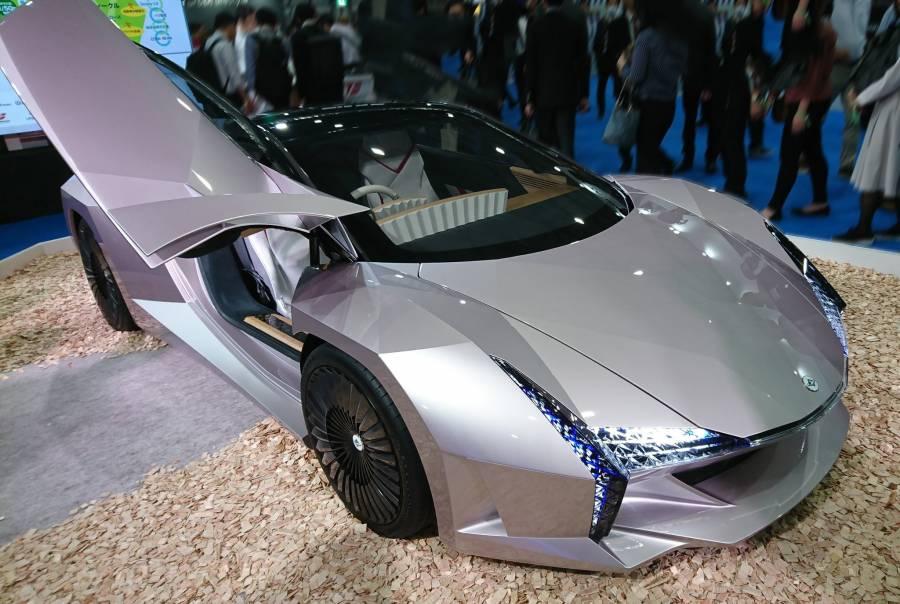Japón crea el primer auto ecológico de madera