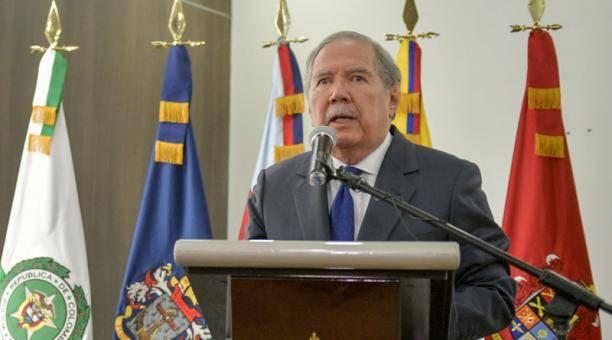 Renuncia Secretario de la Defensa de Colombia, Guillermo Botero