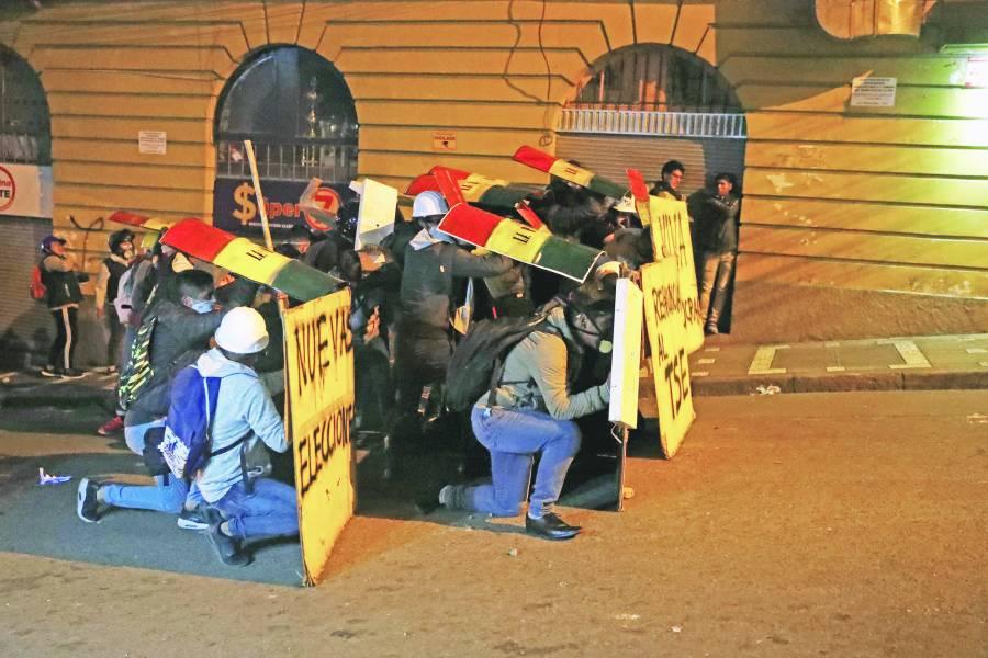 """Se desata """"guerra civil"""" en Bolivia"""