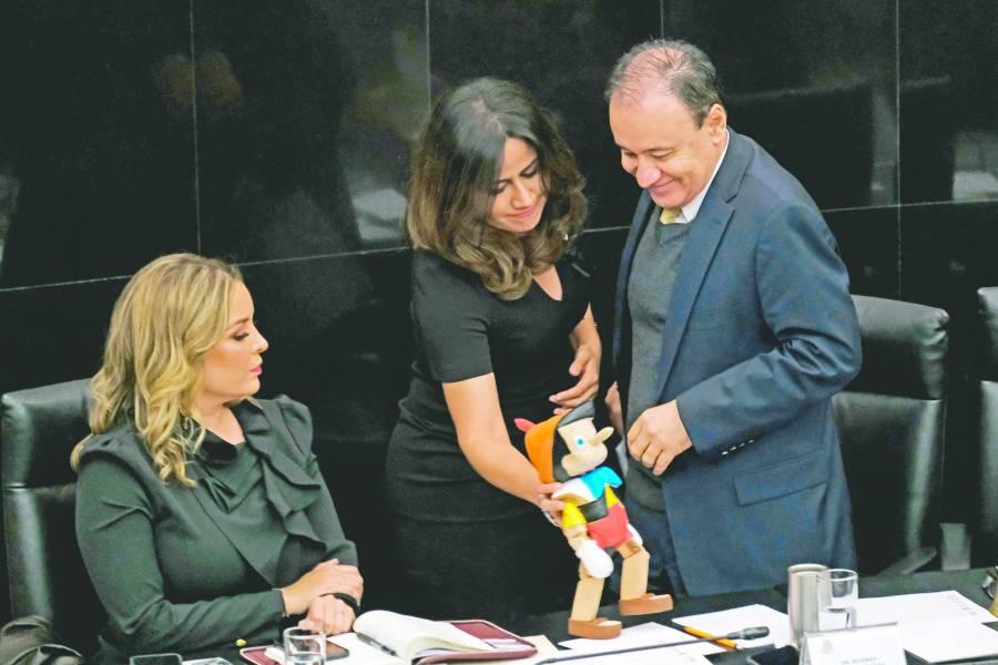 """Oposición tacha de """"mentiroso"""" aDurazo en su comparecencia"""