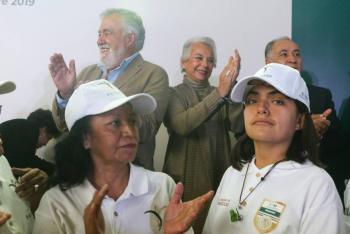 Da Sánchez Cordero banderazo de salida al Programa Paisano
