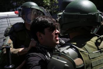 En Chile investigarán a 14 policías por torturas