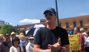 """Todo México piensa que """"abrazos no balazos"""" no funciona, dice Fox al Presidente"""