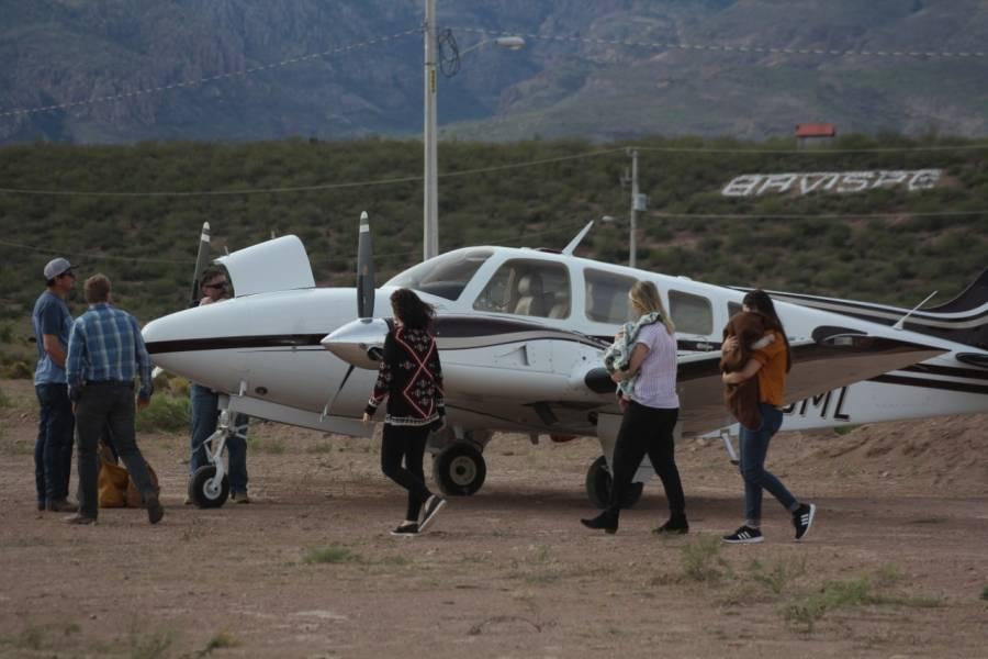 Los LeBarón viajan a Sonora para preparar los funerales de su familiares