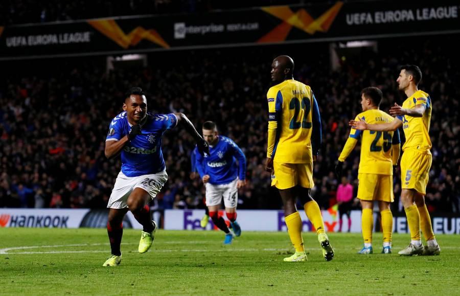 """""""Tecatito"""" y el Porto ponen en peligro su clasificación tras caer ante el Rangers"""