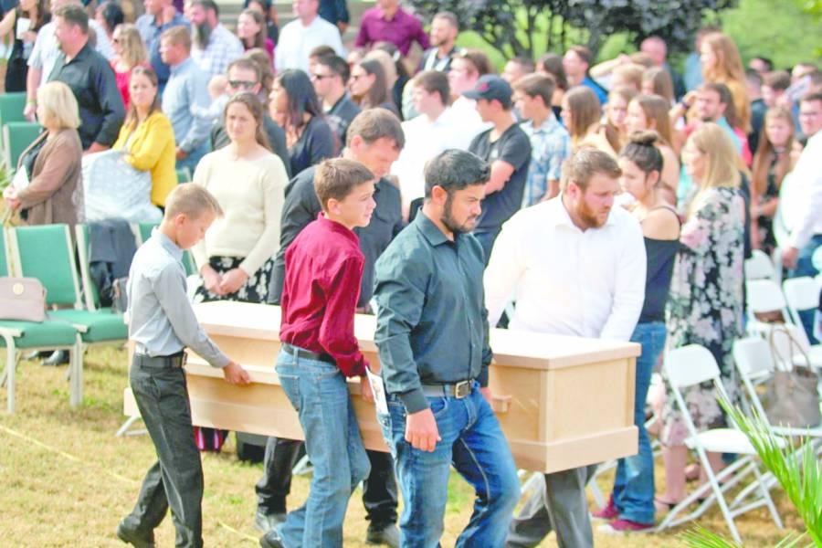 Familia llega a despedir a tres de las víctimas de losLeBarón