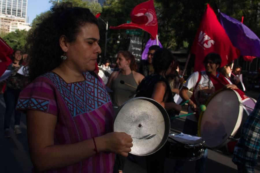 Manifestantes se dirigen a la embajada de Chile; causan afectaciones viales