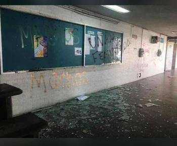 Suspenden actividades en Derecho de la UNAM, luego de protestas de encapuchados