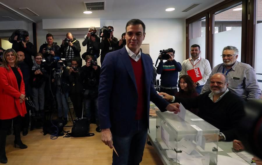 Pedro Sánchez ganaría elecciones en España, según encuesta