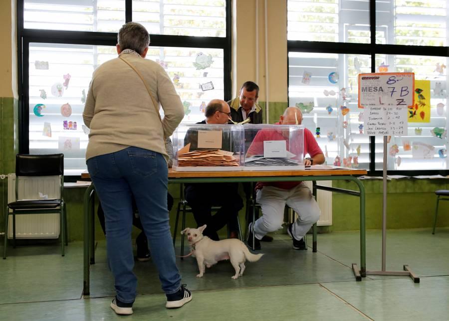 Reportan baja participación en elecciones generales de España