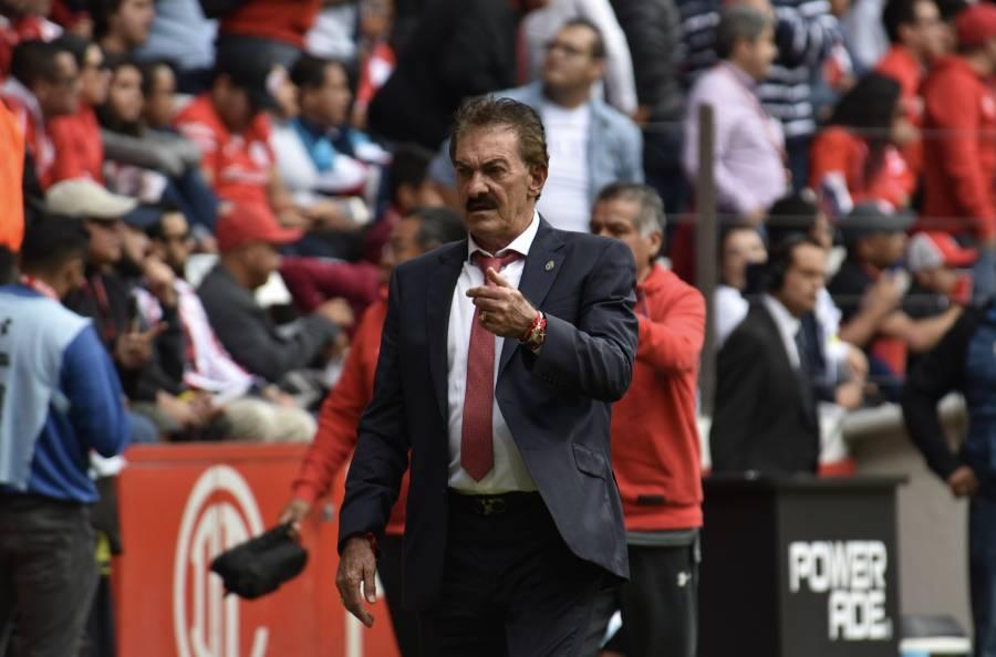 Toluca anuncia la salida de Ricardo La Volpe