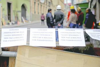 Renuncia de Evo Morales divide a Bolivia en dos