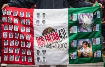 Se reúne AMLO con padres de normalistas de Ayotzinapa