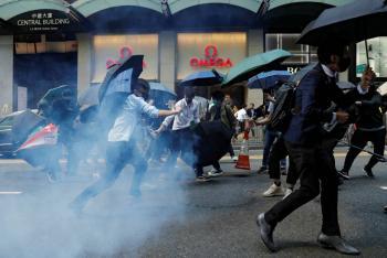 Muerte de manifestante desquicia protestas en Hong Kong