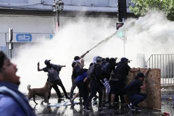 Bloquean vías y paralizan Chile en nueva jornada de protestas