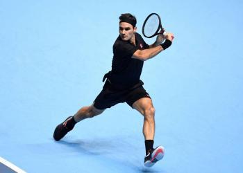 Federer se reivindica tras vencer Berrettini en el ATP Finals