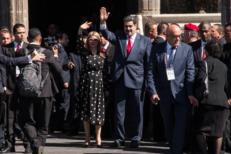 Nicolás maduro reconoce a López obrador