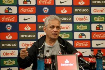 Reinaldo Rueda dejaría a la selección de Chile por crisis social