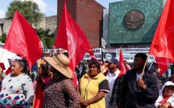 Coordinadores salen corriendo de San Lázaro y sin acuerdos con Antorcha Campesina