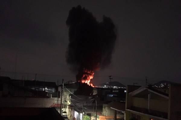 Reportan incendio en fábrica de pinturas, de Xalostoc, Ecatepec