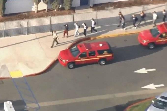 Tiroteo en secundaria de Santa Clarita, California, deja al menos 6 heridos