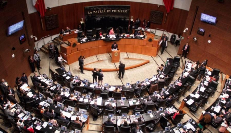 Senado avala dictamen para desaparecer seguro popular