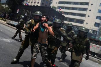 Suman 22 los muertos durante protestas en Chile