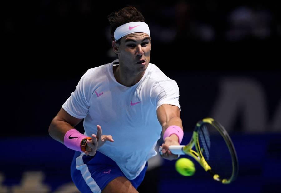 Nadal supera a Tsitsipas y mantiene esperanzas en ATP Finals