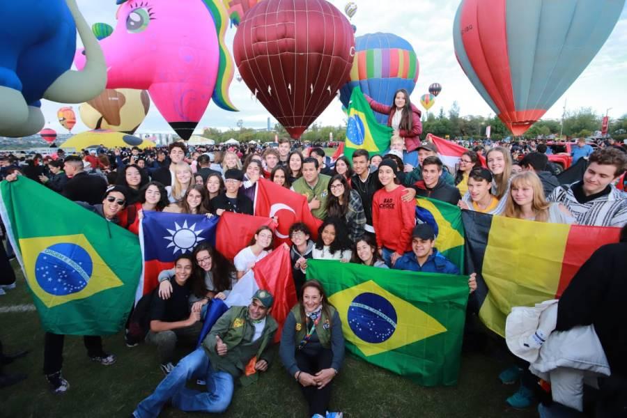 (VIDEO) Miles asisten a la 18 edición del Festival Internacional del Globo