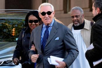 Roger Stone, asesor de Trump, es declarado culpable por 7 cargos criminales