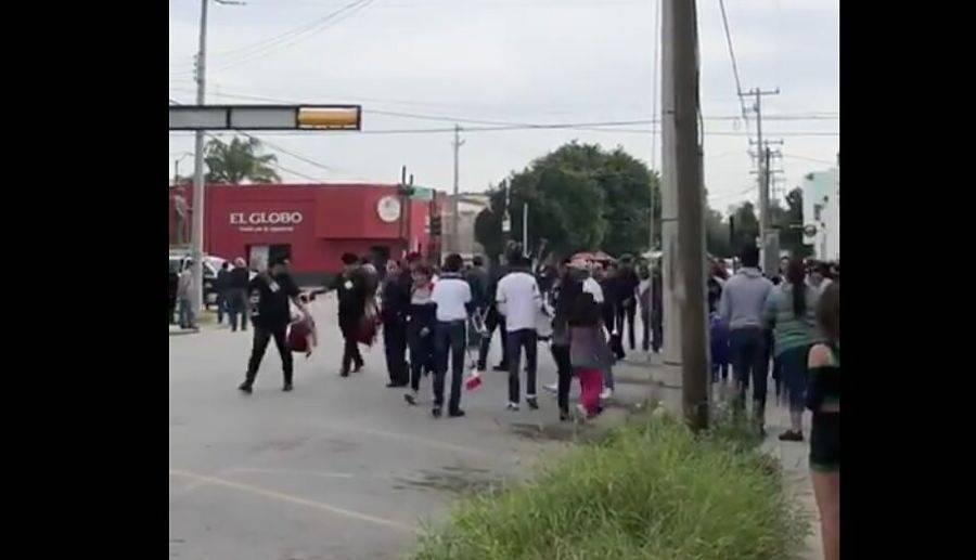 Acribillan a maestra durante desfile de la Revolución en Torreón