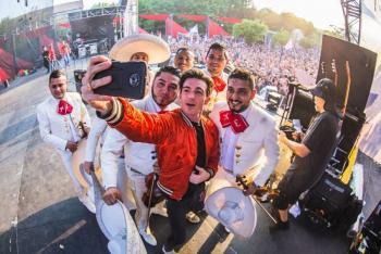 Drake Bell escribirá en español en sus redes sociales