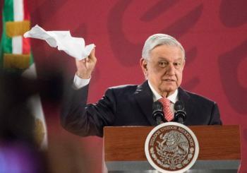 No hay, no hay, se acabó el moche, asegura López Obrador