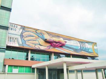 """""""El mural de Siqueiros ya tiene varios daños y necesita una restauración profunda"""""""