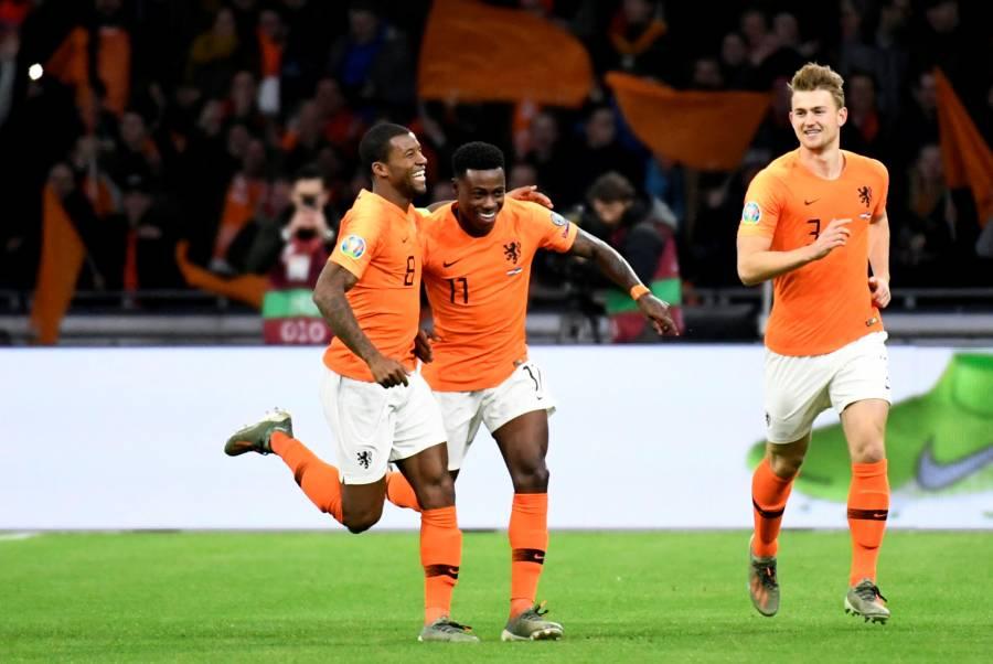 Wijnaldum anota triplete y coloca a Holanda en la Eurocopa
