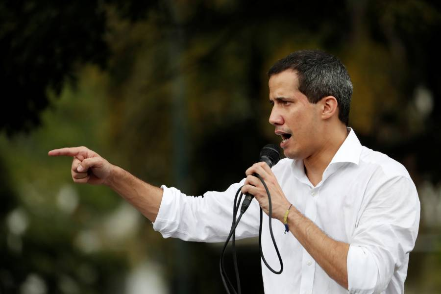 Guaidó asegura que se reunió con mandos militares