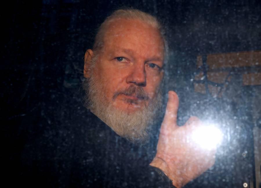 Suecia suspende investigación contra Julian Assange