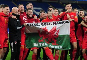 Gareth Bale se burla del Real Madrid en celebración con Gales