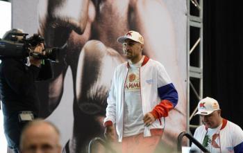 Contra Canelo, peleé por dinero: Sergey Kovalev