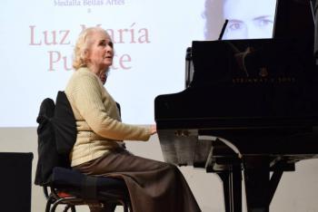La pianista Luz María Puente, con más de 90 años de trayectoria celebra un año más de vida