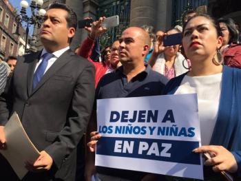 Protestan contra iniciativa de infancias transgénero en CDMX
