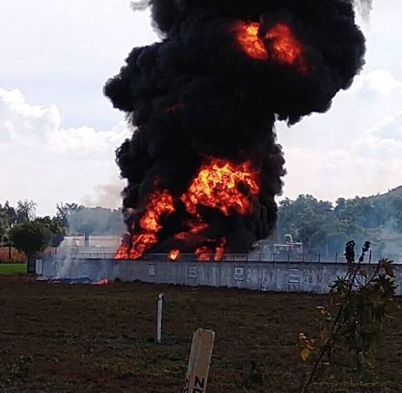 Reportan incendio en toma clandestina en Tetepango, Hidalgo