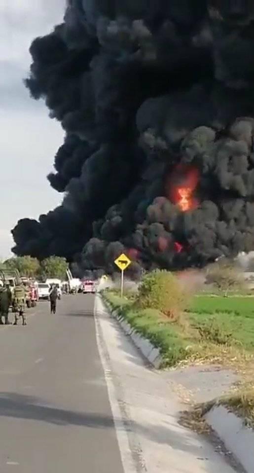 Después de varias horas, aun trabajan para controlar explosión por toma clandestina en Hidalgo