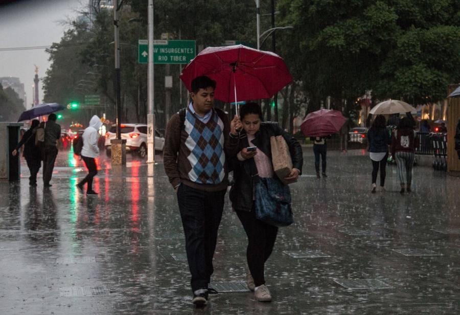 Se mantienen chubascos y lluvias aisladas en CDMX