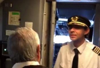 Denuncian supuesta represión de Aeroméxico a piloto que pidió a AMLO construir el NAICM