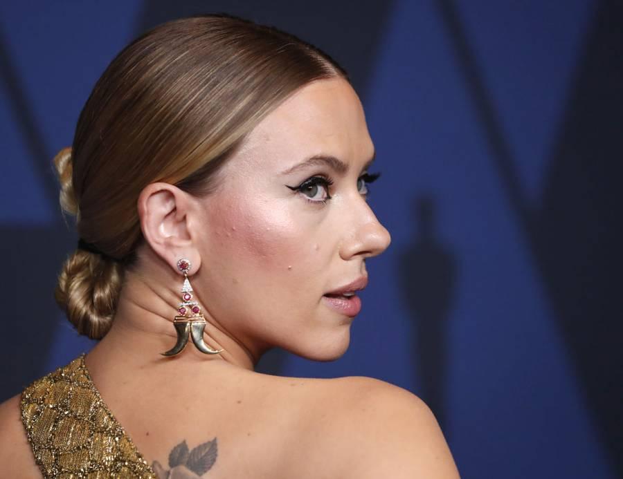 Scarlett Johansson genera polémica por sus fotos en bikini