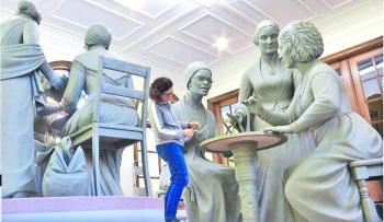 Alistan escultura feminista para Central Park