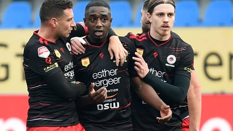 Holanda detendrá un minuto partidos de futbol contra el racismo