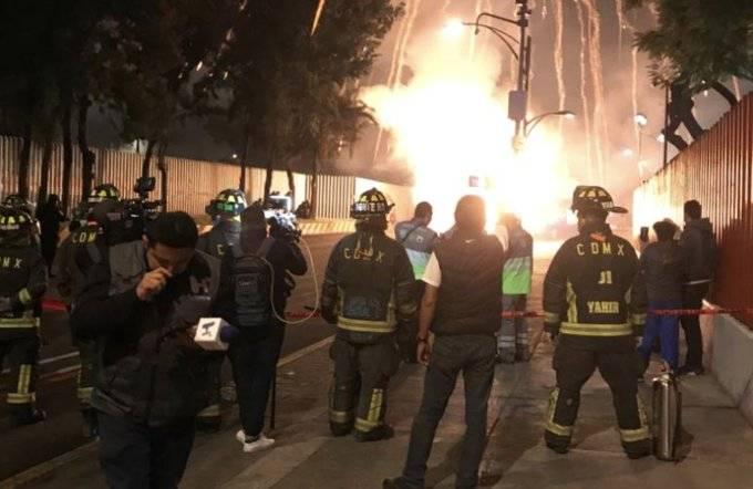Queman cuetones en San Lázaro en protesta por el Presupuesto de Egresos 2020